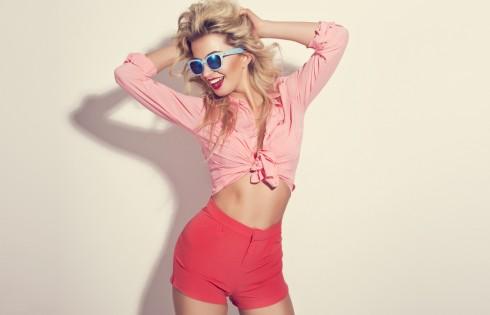 Blonde girl with sunglasses wearing pastel stylization