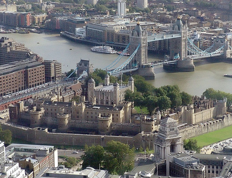"""""""Tower of london from swissre"""" by Original photo by Wjfox2005 - Wikipedia"""